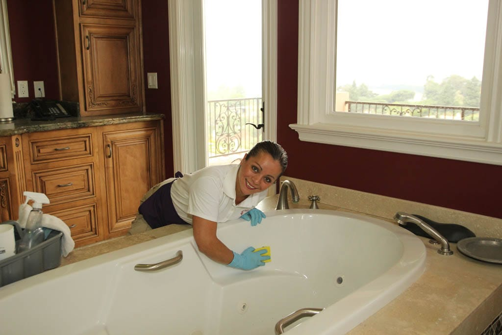 Resort Cleaning Services : Cleaning services sparkly cleaners